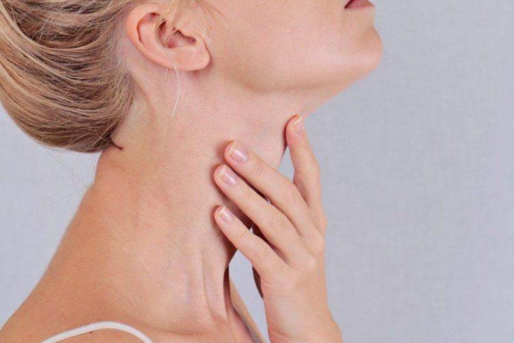 Problemas en tiroides provocan caída de pelo